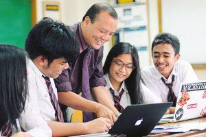 Dwiwarna-4 Kebiasaan Ini Menandakan Kamu Bisa Menjadi Pelajar yang Sukses